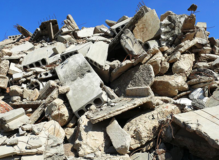 Куски бетона